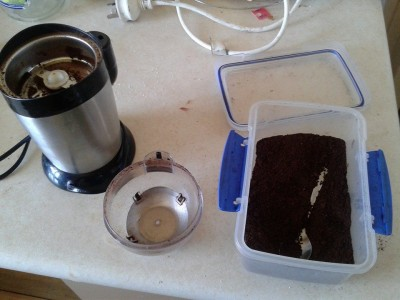 Coffee grinder and ground coffee